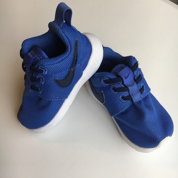cheap for discount 3c585 bca24 ONE HOUR SALE❗️Baby Nike Roshe One Blue Size 4